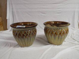 2 Decorative plant urns