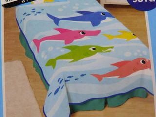 Pinkfong Baby shark plush blanket 62 in X 90 in