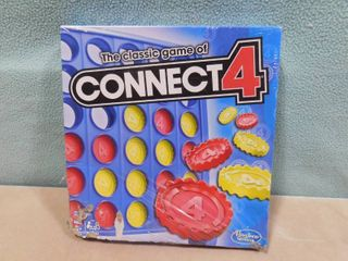 Connect four game  box is damaged see pics