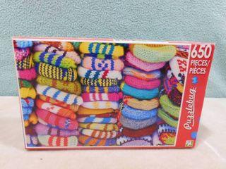 650 piece colorful woolen mittens