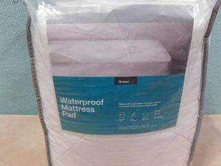 Made by design Queen waterproof mattress pad 60 in X 80 in X 16 in
