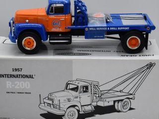 1957 International R 200 Gin Pole Winch Truck  die cast  1 34 scale