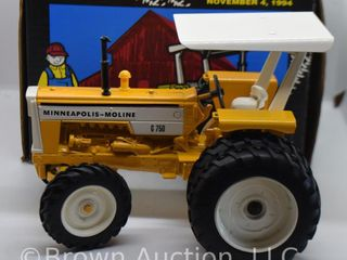 Minneapolis Moline F750 die cast tractor  1 16 scale
