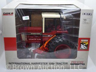 International Harvester 1086 die cast prestige collection tractor  1 16 scale