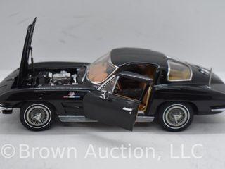 1963 Chevrolet Corvette Sting Ray Coupe die cast model