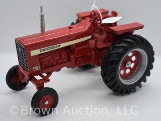 Farmall 756 die cast tractor  1 16 scale