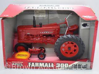 Farmall 300 die cast tractor  1 16 scale