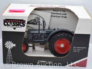 Case die cast tractor  1 16 scale