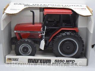 Case International 5250 die cast tractor  1 16 scale