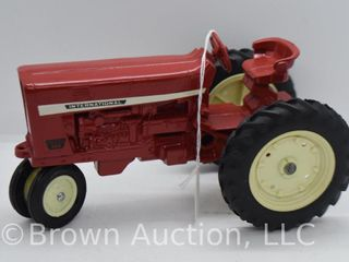 Farmall 544 die cast tractor  1 16 scale