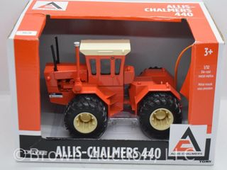 Allis Chalmers 440 4WD die cast tractor  1 32 scale