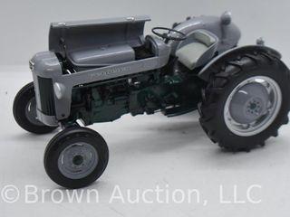 Massey Ferguson 40 launch Model die cast tractor  1 16 scale