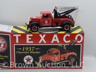 1937 Chevrolet Wrecker  die cast  1 34 scale
