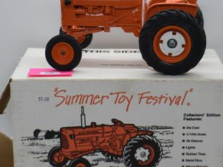 Allis Chalmers D14 die cast tractor  1 16 scale