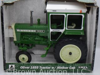 Oliver 1655 die cast tractor w  Hiniker cab  1 16 scale