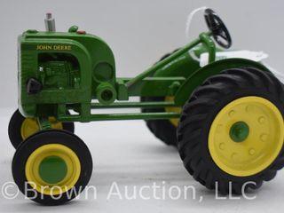 John Deere Model lA die cast tractor  1 16 scale