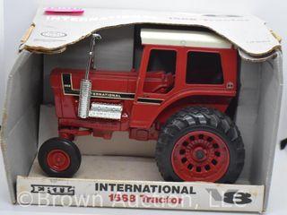 International 1568 die cast tractor  1 16 scale
