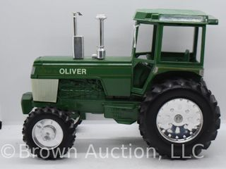 Spirit of Oliver die cast tractor  1 16 scale