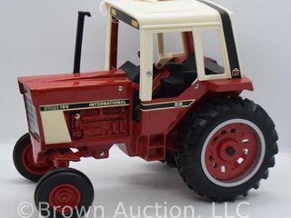 International Hydro 186 die cast tractor  1 16 scale