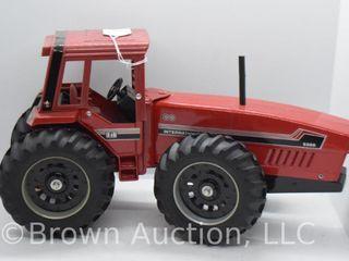 International 6388 4WD die cast tractor  1 16 scale