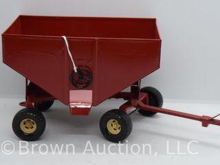Ertl gravity wagon  die cast and pressed steel  1 16 scale