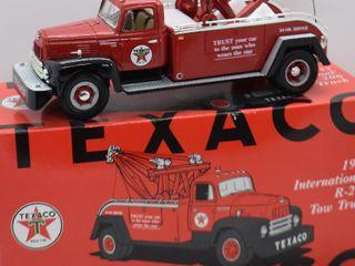 1957 International R 200 Tow Truck  die cast  1 34 scale