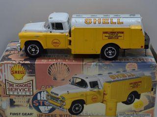 1958 GMC 300 Tanker Truck  die cast  1 34 scale