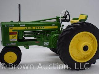 John Deere 520 die cast tractor  1 16 scale