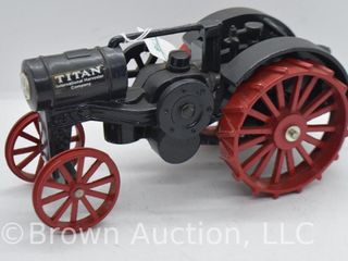 International Harvester Titan 10 20 die cast tractor  1 16 scale