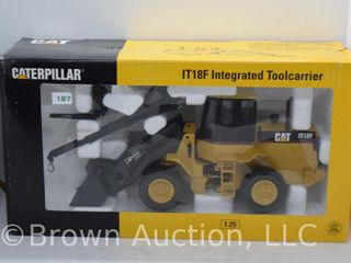 Cat IT18F Integrated Toolcarrier die cast model  1 25 scale