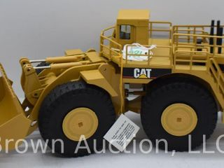 Cat 994 Wheel loader die cast model  1 50 scale