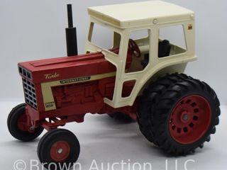 International Turbo 1466 die cast tractor  1 16 scale
