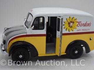 1950 Borden s Milk Truck die cast model  1 24 scale