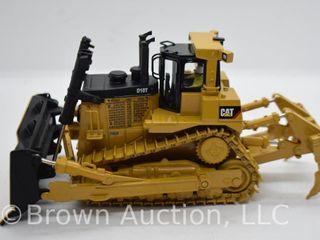 Cat D10T Dozer Tractor die cast model  1 50 scale