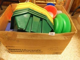 Box of Plastic Ware  Storage