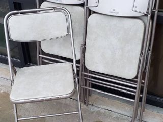 4 Samsonite Folding Chairs w Cream Marble Vinyl Seats