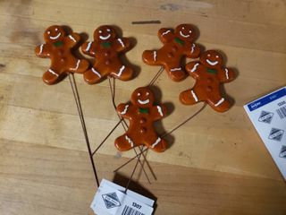 lot of 5 Gingerbread Men