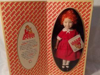 Applause Annie Genuine Porcelain Doll 1982