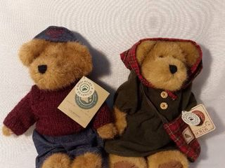 lot of 2 Boyds Bears from the Gen yoo wine Collection with Original Tags