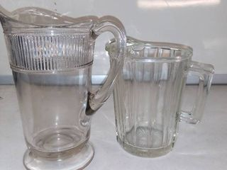 Nice lot Of 2 Vintage Pitchers In Excellent Condition
