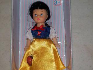 Madame Alexander Storybook Snow White Mini Doll 5  In Box