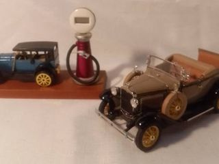 lot of 2 Diecast Models 1931 Ford Model A and Mercedes SS 1928