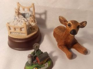 lot of 3 Small Figurines and Music Box John Deere Schmid