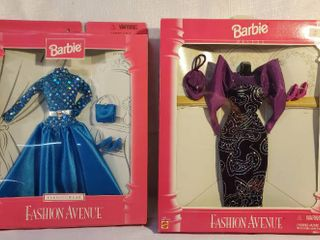 lot of 2 Barbie Fasion Avenue Outfits  1 Deluxe Edition