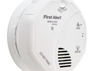 First Alert 1039826 Interconnected Photoelectric Smoke Alarm With Voice  120 Volts