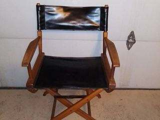 Vintage Wood And Vinyl Directors Chair In Excellent Condition