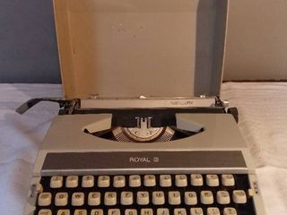 Vintage Royal Mercury Portable Typewriter