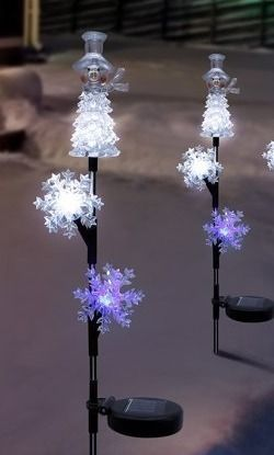 Alpine Corporation Snowman and Snowflakes Stake with Solar lED lights  Set of 2