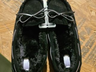 Stars Above Womens size 7 slippers black fur lined
