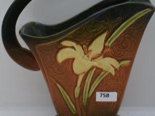 Roseville Zephyr lily 394 8  basket  brown